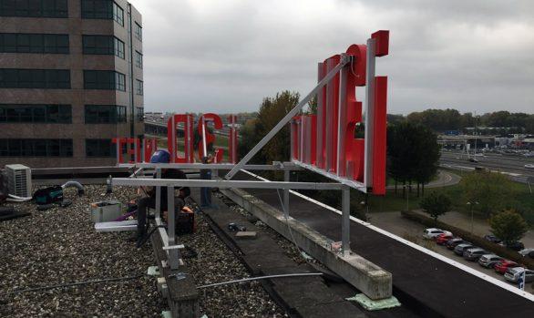 i3Dnet lichtreclame dakconstructie