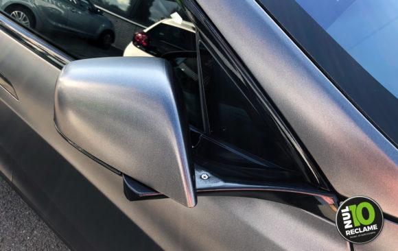 Carwrap Tesla Model S (closeup)